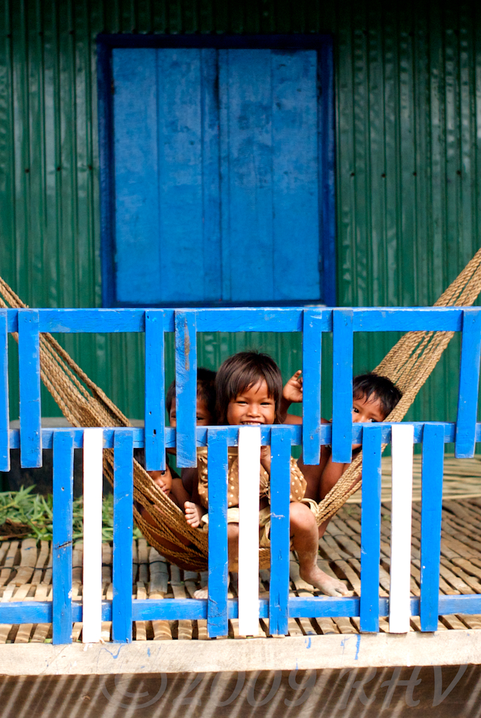 Children on a hammock